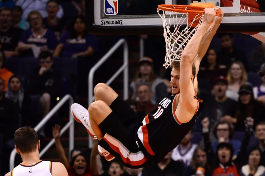 X`s and O`s: Jake Layman Experience